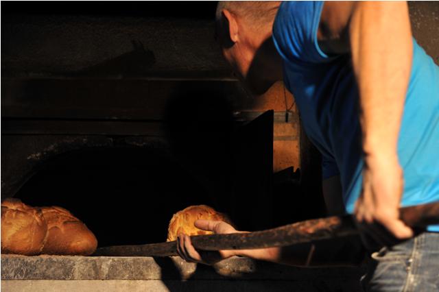 Faire du pain à Réotier
